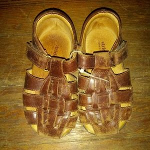 Boys Designer Sandals 7 1/2 2W